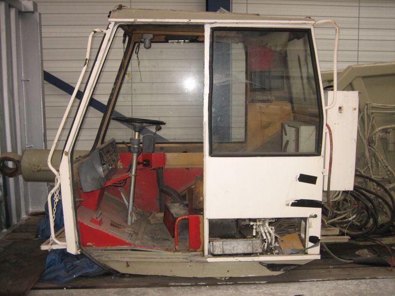 Liebherr LTM 1045 kabina