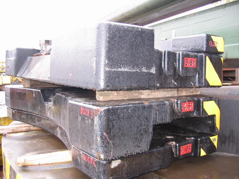 Liebherr LTM 1080-1 przeciwwaga / obcizniki
