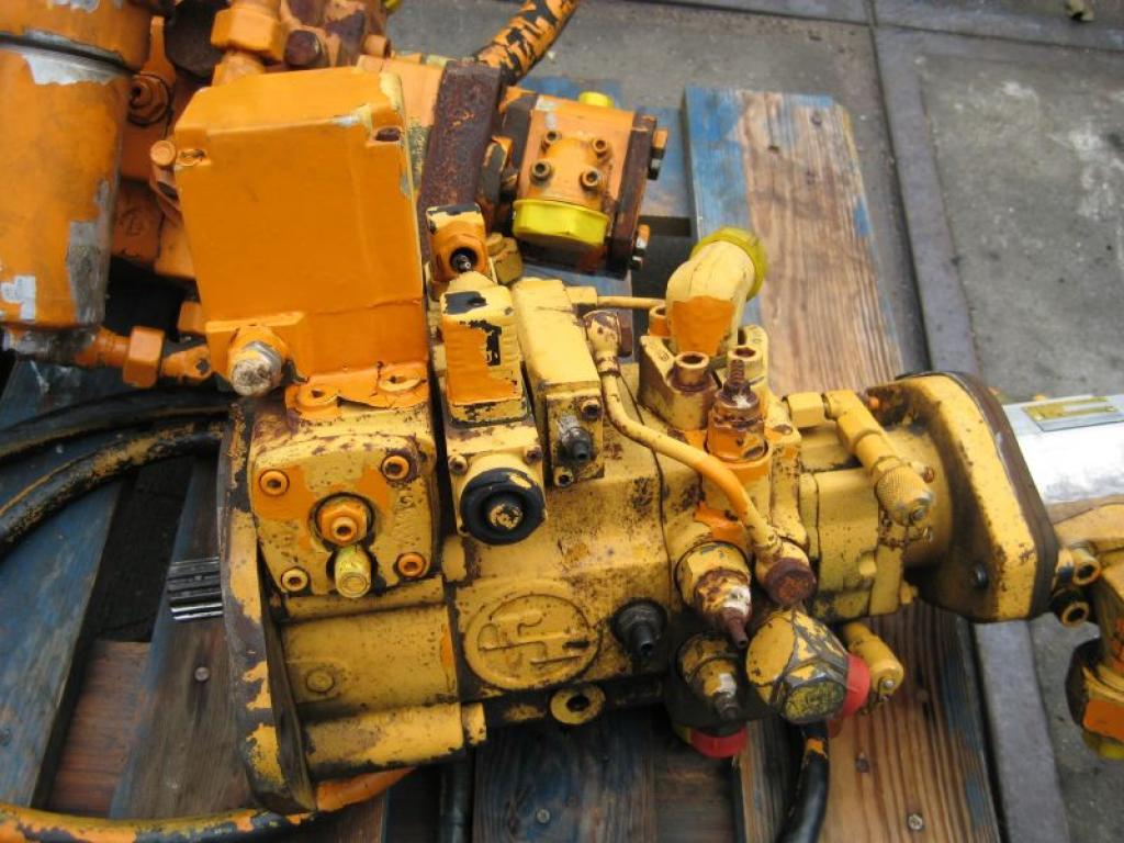 Liebherr LTM 1160 Hydraul system