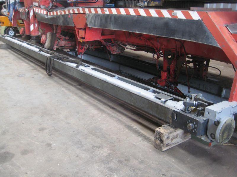 Liebherr LTM 1080-1 Cylindrar