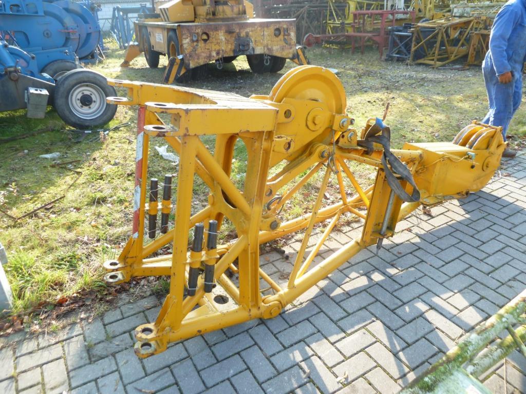 Liebherr LTM 1090-1 Plumines