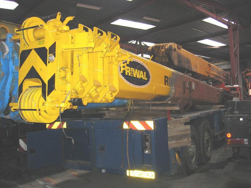 Grove GMK 2035 Boom Sections