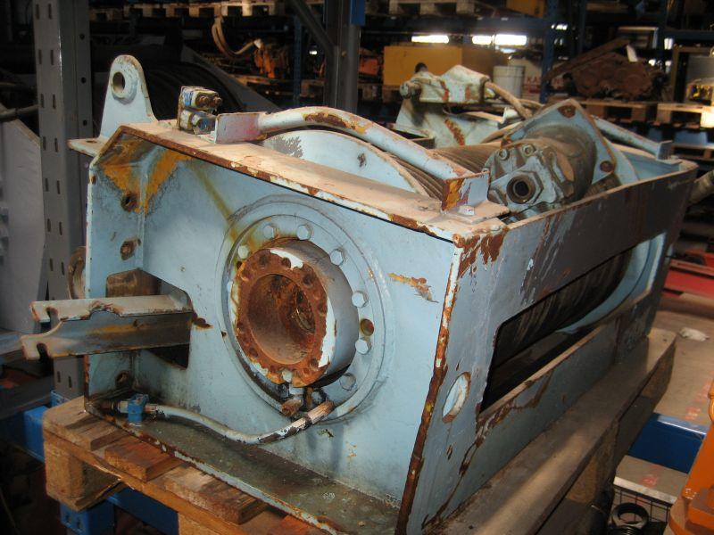 Liebherr LT 1090 wciagarki