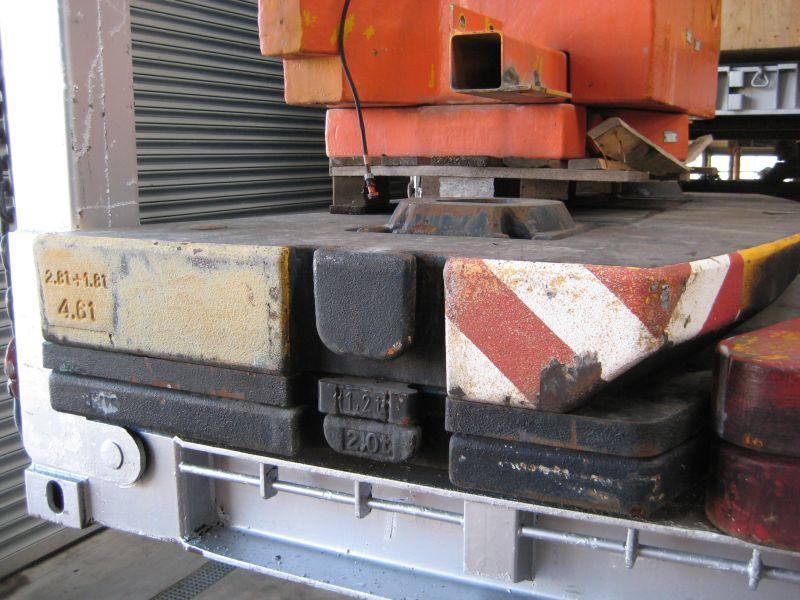 Liebherr LTM 1090-2 przeciwwaga / obcizniki