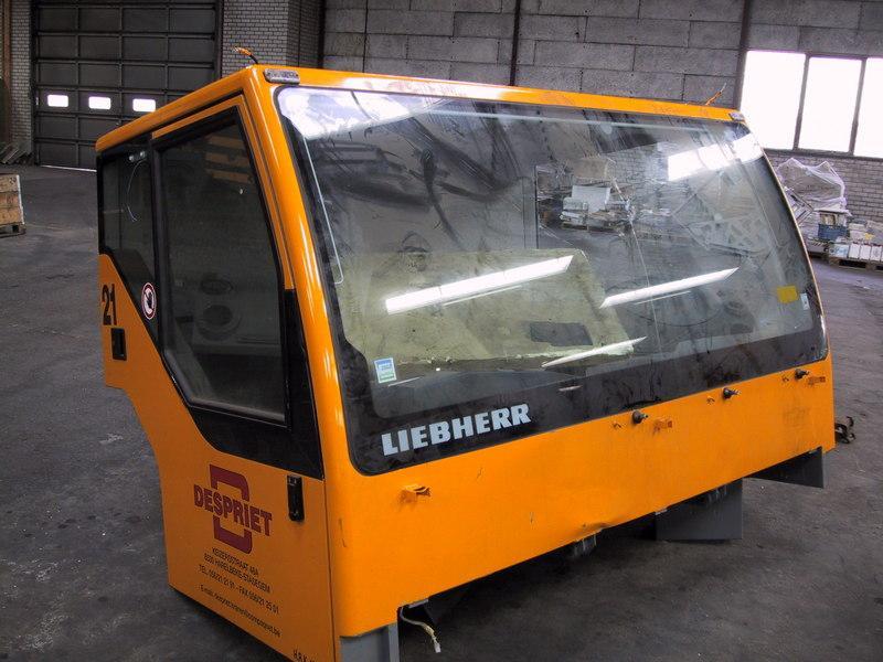 Liebherr LTM 1060-2  Kabine