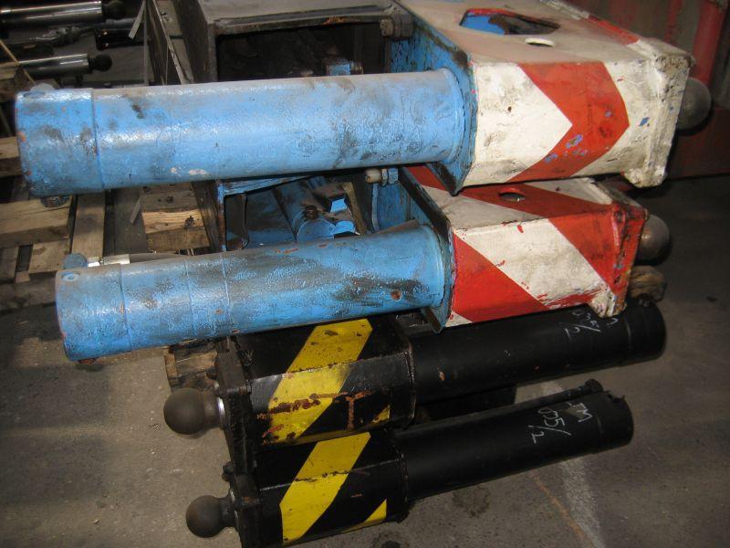 Liebherr LTM 1035-3 Poutres de calage