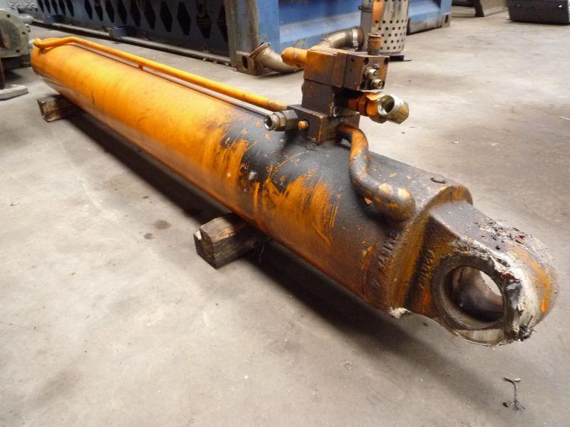 Faun ATF 30-2 Zylinder