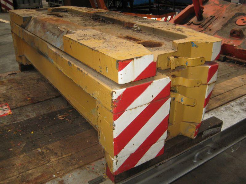 Liebherr LTM 1070 przeciwwaga / obcizniki