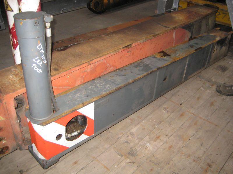 Liebherr LTM 1025 Cajones de estabilizadores