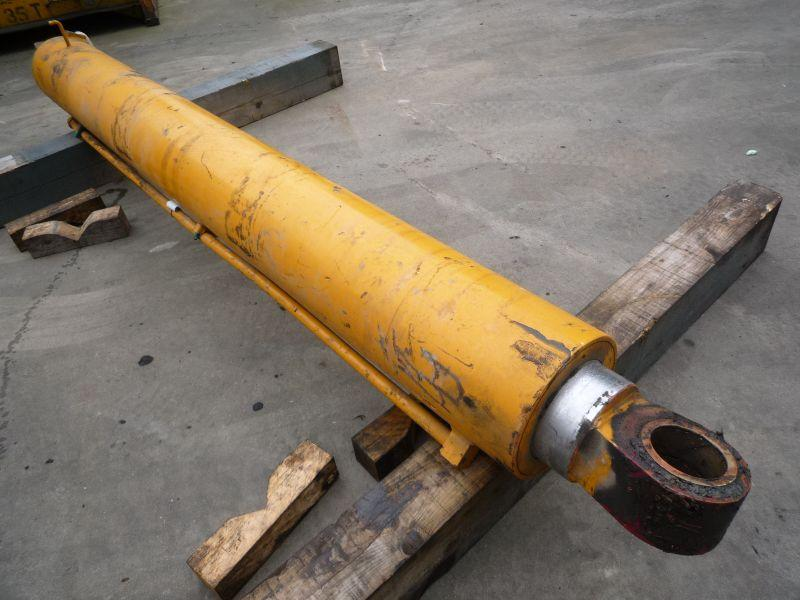 Liebherr LTM 1070 Цилиндры