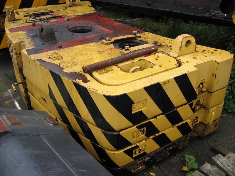 Krupp KMK 3040 Counterweight