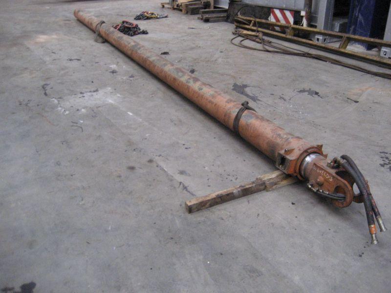 Liebherr LTM 1070 Cilinders