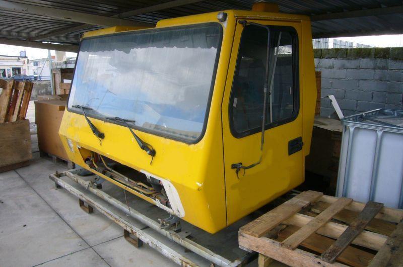 Grove GMK 3050 kabina