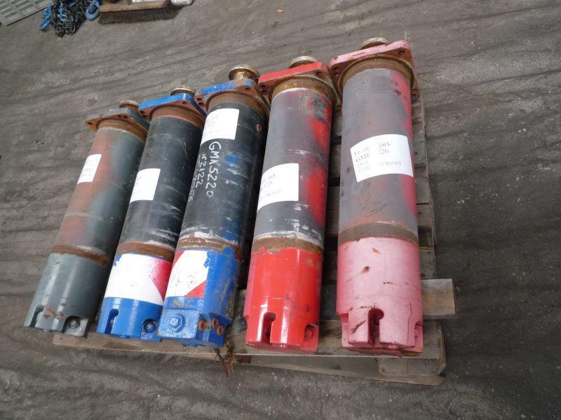 Grove GMK 5220 Stödbens cylindrar