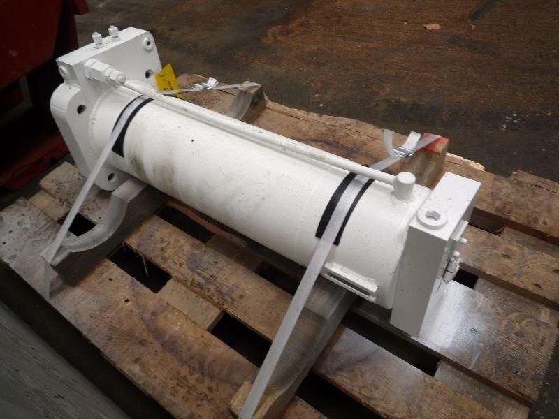 Liebherr LTM 1160-2 Cylindrar