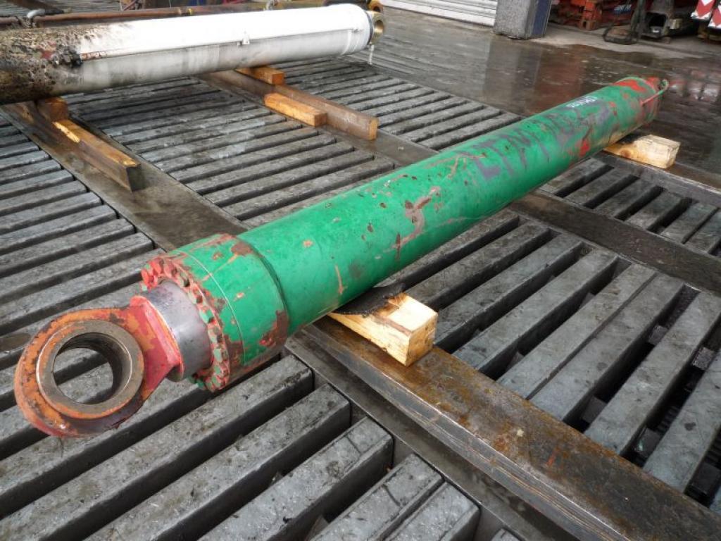 Liebherr LTM 1025 Zylinder