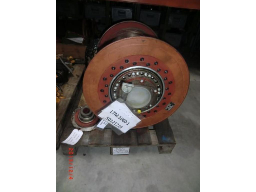 Liebherr LTM 1060 Лебедки