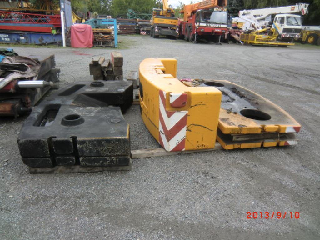 Liebherr LTM 1060 Gegengewicht