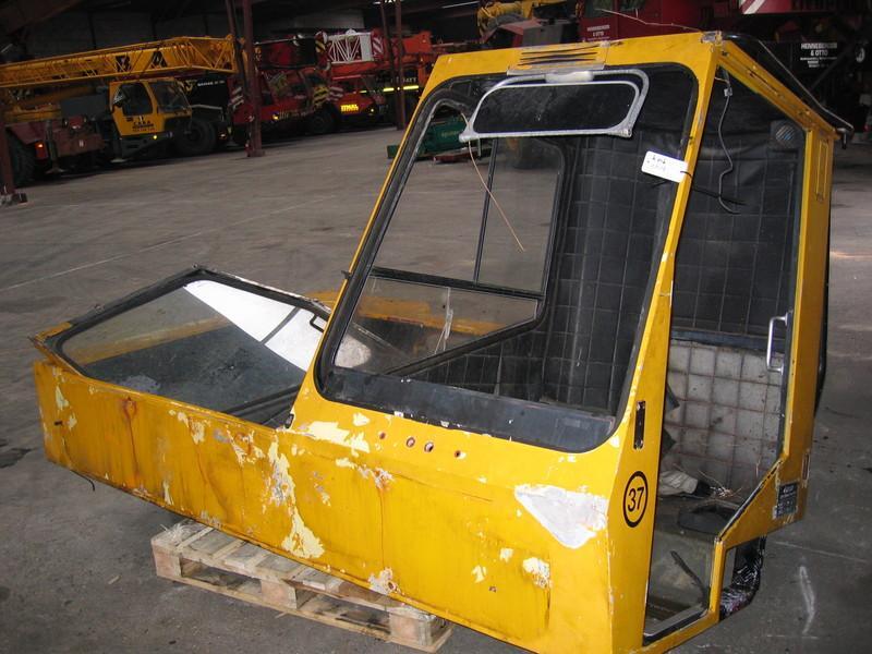 Krupp KMK 2025 kabina