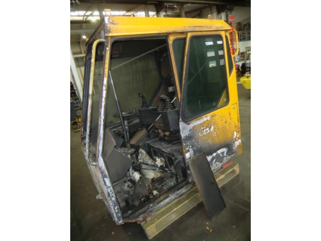 Liebherr LTM 1060 Cabina