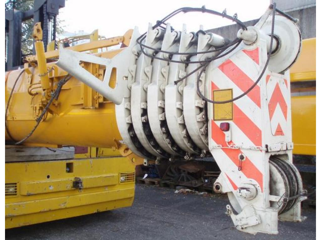 Liebherr LTM 1070-4 Boom Sections
