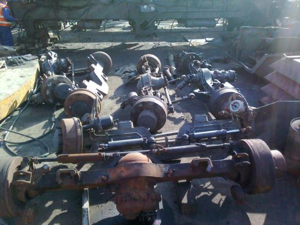 Liebherr LTM 1140 Axles