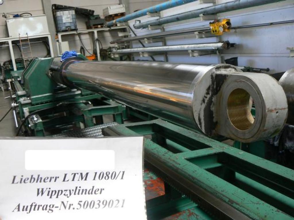 Liebherr LTM 1080-2 Cylindrar