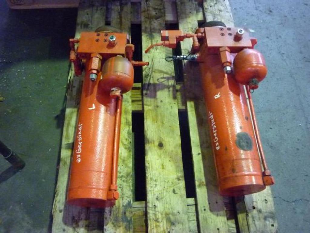 Liebherr LTM 1095-5 Cilinders