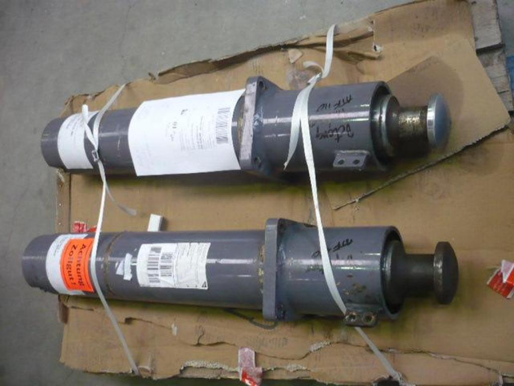 Faun ATF 110-5 Vigas de estabilizadores