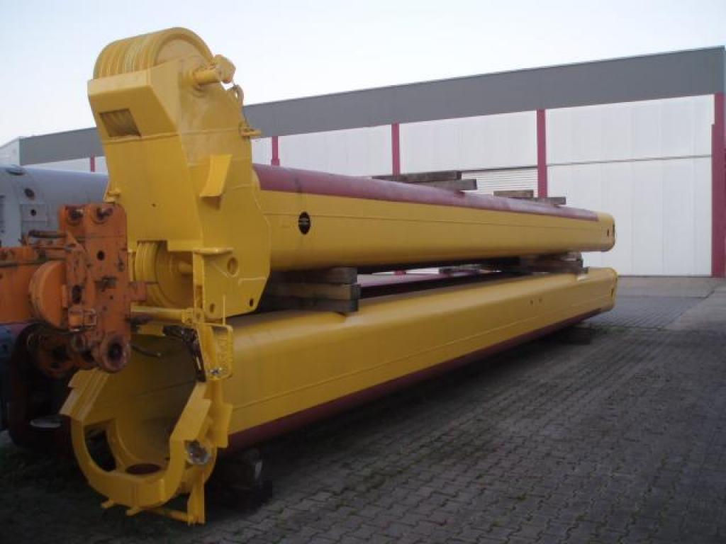 Demag AC 335 Boom Sections