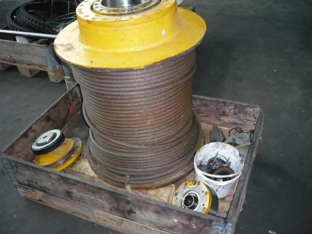 Demag AC 80-1 Winches