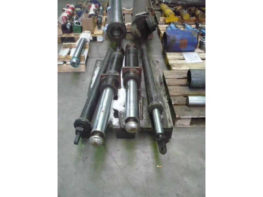 Grove GMK 5130 ζυγοστάτες,κουτιά/κύλινδροι