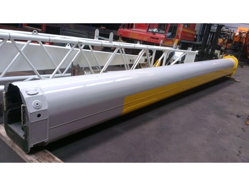 Liebherr LTM 1080-1 Boom Sections