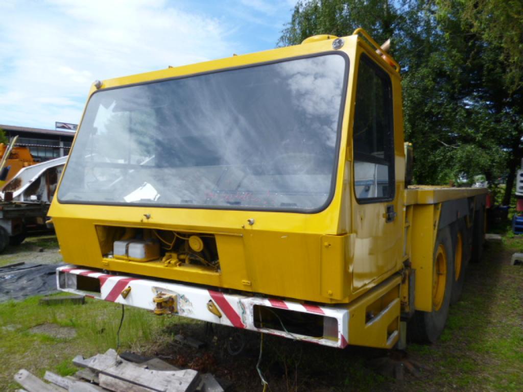Krupp KMK 4080 kabina