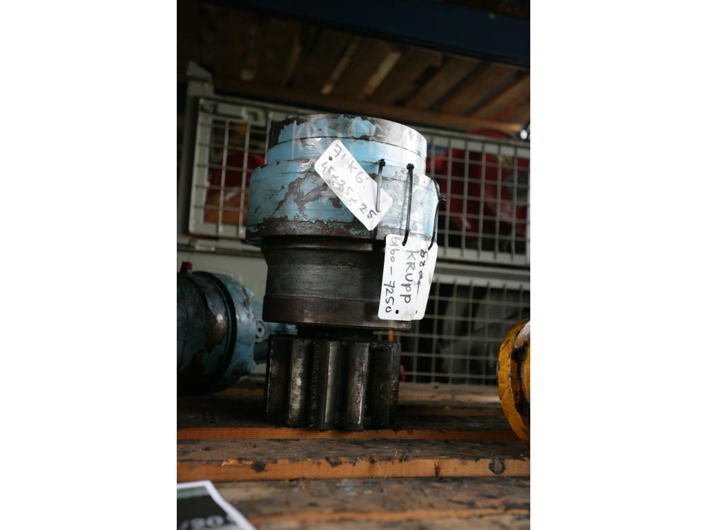 Krupp KMK 6160 system hydrauliczny